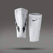 Чулки для щитков Nike Guard Lock Elite Sleeves SE0173-103