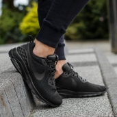 Кроссовки Nike Air Max Motion Triple Black 833260-002
