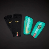 Щитки Nike CR7 Mercurial Lite SP2159-321
