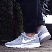 Кроссовки Nike Tanjun Running Grey/White 812654-010