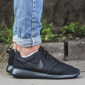 Кроссовки Nike Roshe One All Black / Black 511881-026
