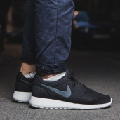Кроссовки Nike Roshe Run Black White Grey 511881-010