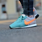 Кроссовки Nike Montreal Racer Vintage Green 555258-301